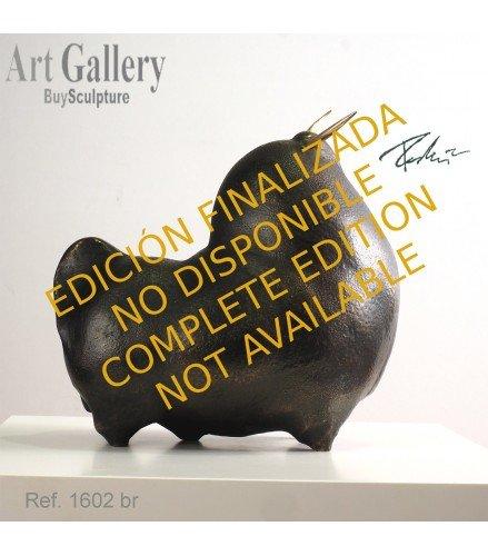 Escultura Toro Orgulloso en bronce oscuro