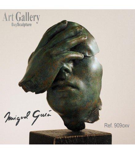 Escultura Reflexion en Bronce Oxido verde