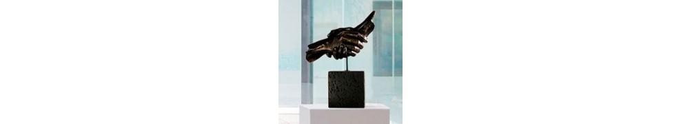 Esculturas de manos