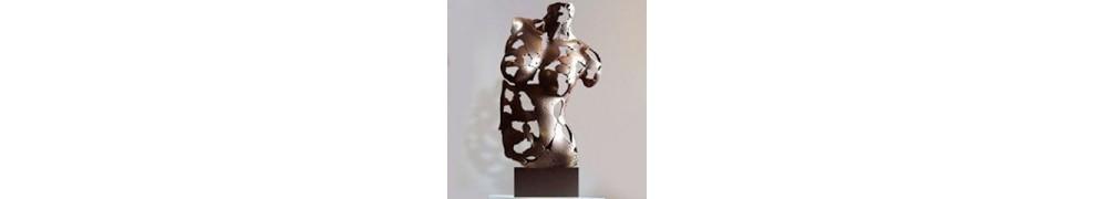 Esculturas de mujeres
